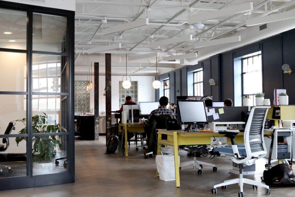 Отстраняване и унищожаване на офис мебели